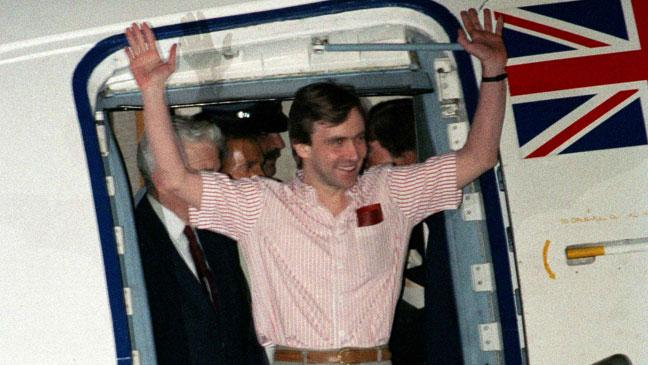 john-mccarthy-arrives-at-raf-lyneham-after-his-release-from-five-years-of-captivity-in-beirut-136399670344703901-150807155140