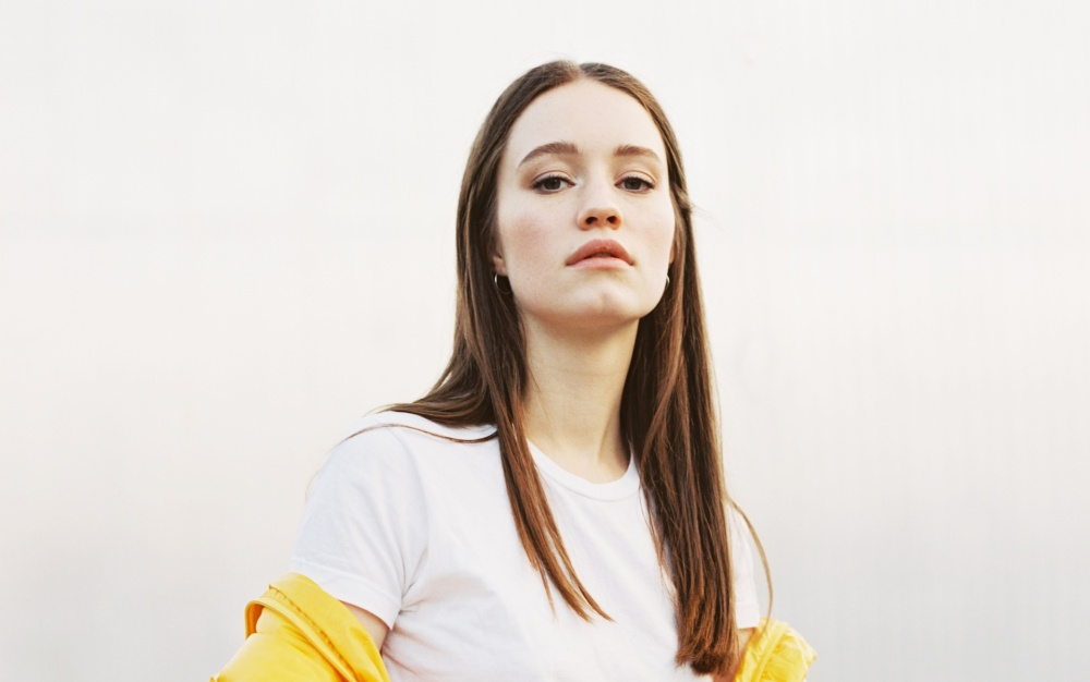 Sigrid-lead-press-shot