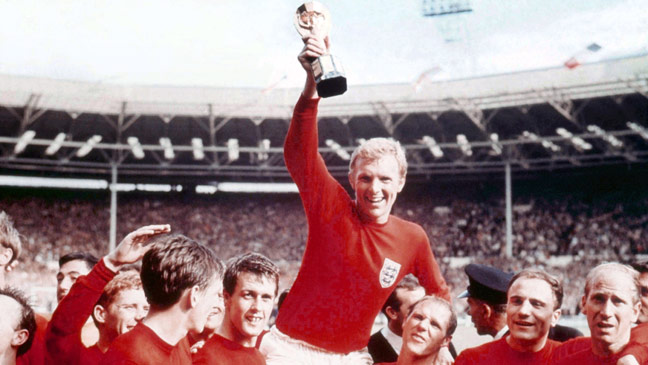 england-captain-bobby-moore-holds-the-jules-rimet-trophy-aloft-after-the-4-2-win-over-germany-136399507155402601-150729170436