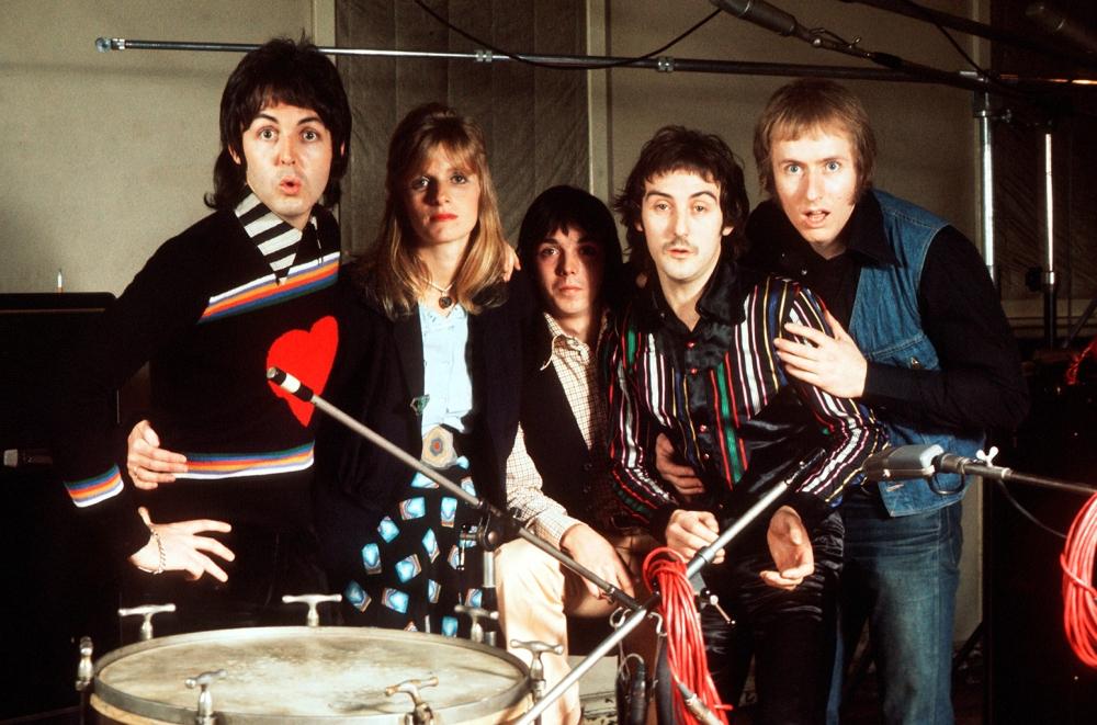 paul-mccartney-wings-1974-billboard-1548